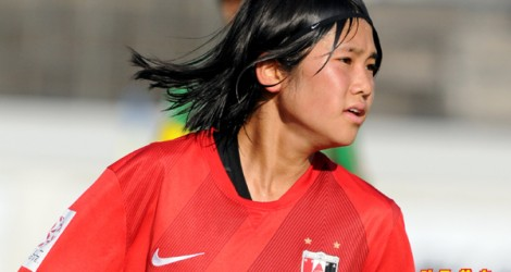 SAITAMA, JAPAN - OCTOBER 18:  Fuka Nagano of Urawa Reds Ladies in action during the Nadeshiko League match between Urawa Red Diamonds Ladies and NYV Beleza at Urawa Komaba Stadium on October 18, 2015 in Saitama, Japan.  (Photo by Hiroki Watanabe/Getty Images)